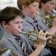 Уроки музыки в детстве улучшают реакцию головного мозга